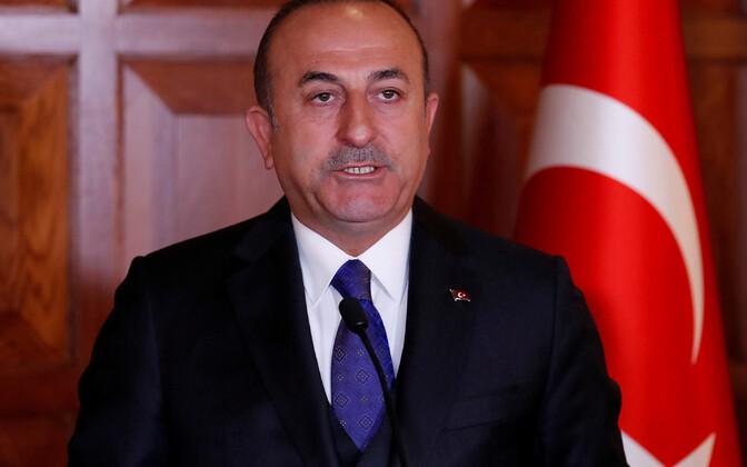 По словам главы турецкого МИДа Мевлюта Чавушоглу, нападение на дипломата не связано с политическими мотивами.