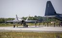 Истребители-бомбардировщики F-35A и истребители F-15E на авиабазе в Эмари.