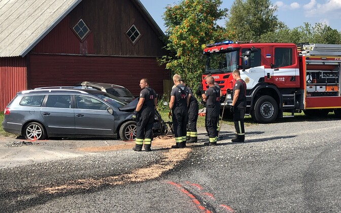 Liiklusõnnetus Läänemaal Taebla-Kullamaa teel.