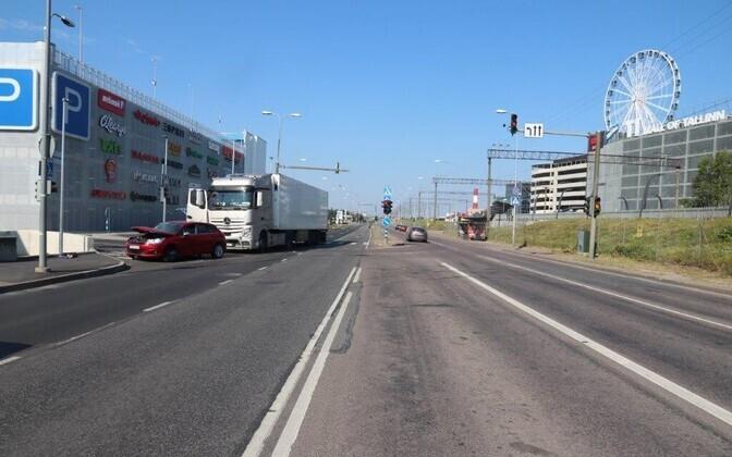 Liiklusõnnetus Suur-Sõjamäe tänaval.