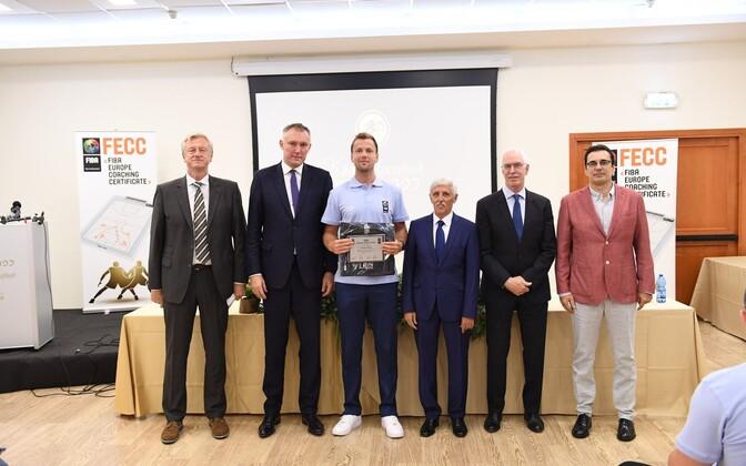 Martin Rausberg FIBA Euroopa treeneri sertifikaadiga.