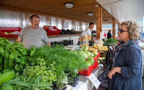 Rohkem kohaliku taimetoidu ja veidi vähem liha söömine aitab vähendada toidu kasvatamiseks kasutatava maa hulka.