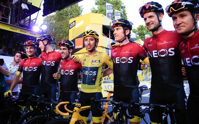 Tour de France'i üldvõitja Egan Bernal meeskonnakaaslastega.