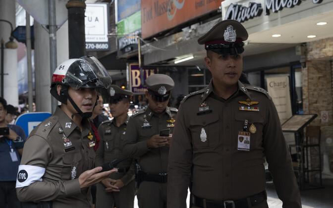 Tai politseinikud Bangkokis sündmuskohal.