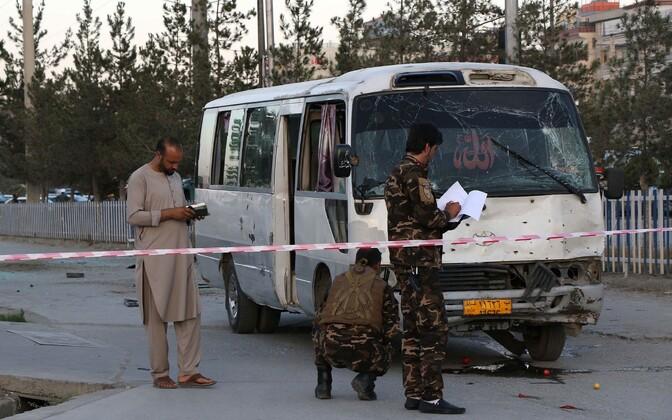 Kabulis rünnati teletöötajate bussi.