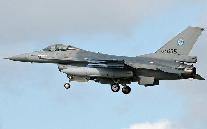 Hollandi kuningliku õhuväe hävituslennuk F-16AM.