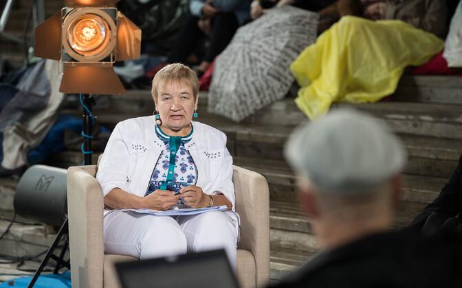 Helle Metslang on mitmekülgne keeleteadlane, kes on tegelenud grammatika uurimisega ning keeletoimetajate ja keeleuurijate harimisega.