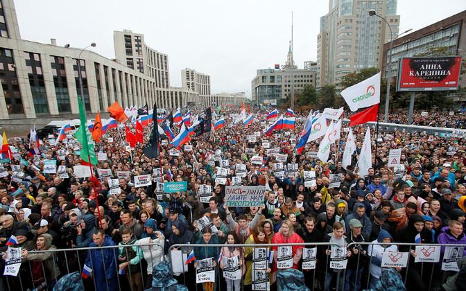 Moskva meeleavaldus vabade valimiste poolt.