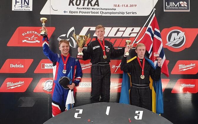 GT-30 klassi MM-i esikolmik: maailmameister Andre Solvang (keskel), hõbeda võitnud Stefan Arand (vasakul) ja pronksi teeninud rootslane William Sjöström.