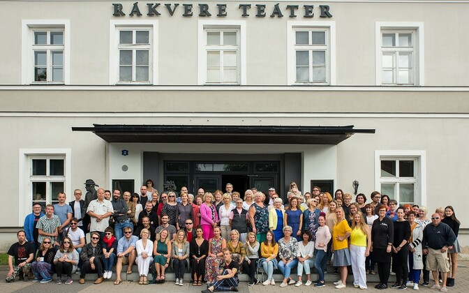 The crew at Rakvere Theatre as of the beginning of its 80th season.