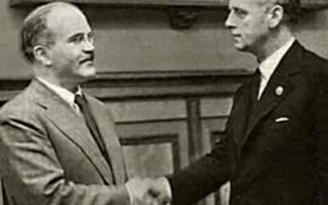 Vjatšeslav Molotov ja Joachim von Ribbentrop