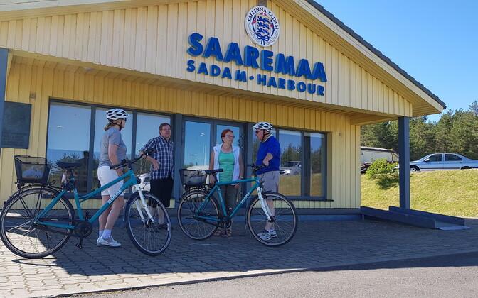 На Сааремаа популярны и поездки на велосипедах.