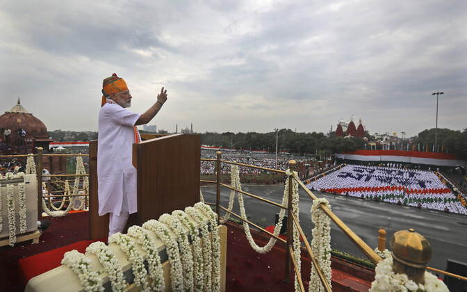 India peaminister Narendra Modi kõnet pidamas.