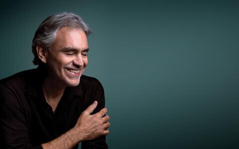 Andrea Bocelli.