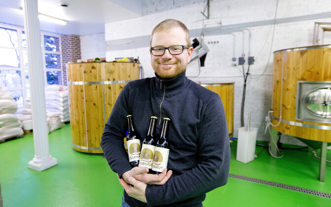 Õllenaudi pruulija Ilmar Räni ettevõtte praeguses pruulikojas Sauel.