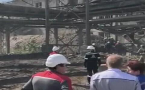 В Волхове во время ремонта обрушилось здание цементного завода.