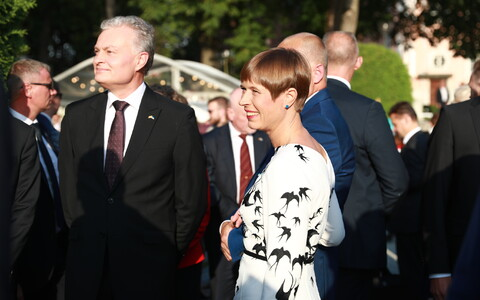 President Kersti Kaljulaid with Lithuanian President Gitanas Nausėda at the Day of Restoration of Independence reception at Kadriorg Palace's Rose Garden. Aug. 20, 2019.