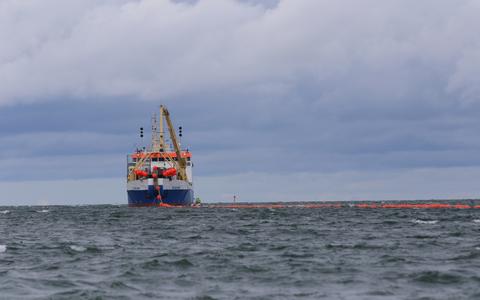 В проливе Вяйкевяйн проложили морской кабель, в следующем году аналогичные работы проведут в проливе Суурвяйн.