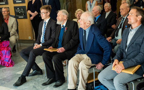 Baltic Appeal signatories Enn Tarto (center left) and Mart Niklas (center right). Aug. 23, 2019.