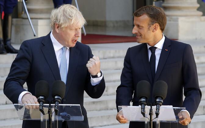 Briti peaminister Boris Johnson (vasakul) kohtus neljapäeval Pariisis Prantsuse presidendi Emmanuel Macroniga.