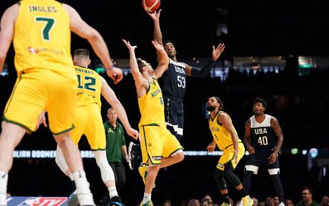 Austraalia korvpallikoondis (kollases) üllatas sõprusmängus USA-d.