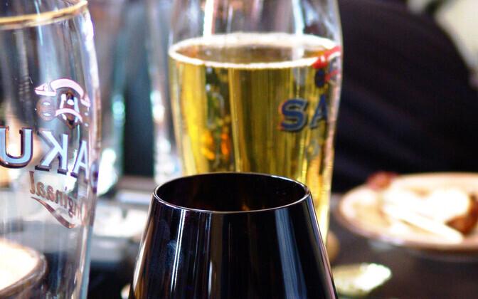 Жителям Эстонии предлагают отдохнуть от алкоголя.