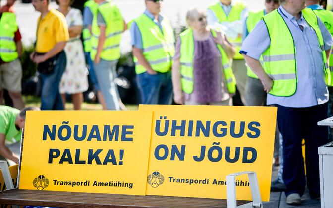 Eelmise aasta augustis korraldasid bussijuhid palgatõusu nõudmiseks piketi.