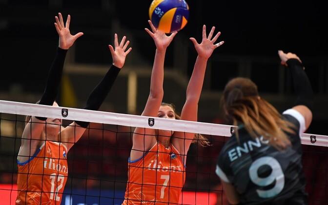 Eesti naiste võrkpallikoondis EM-finaalturniiril Hollandi vastu