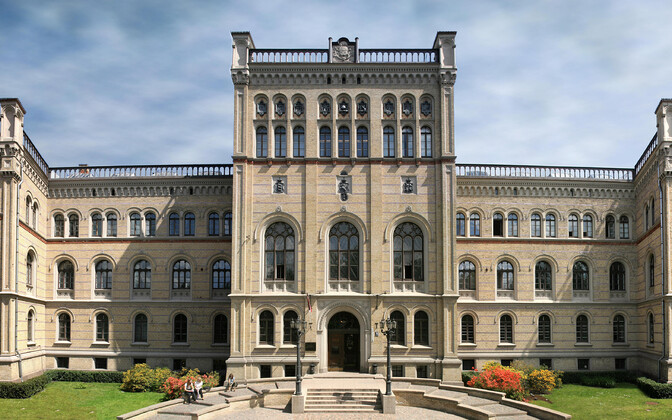 Läti Ülikooli Riias asuv peahoone.