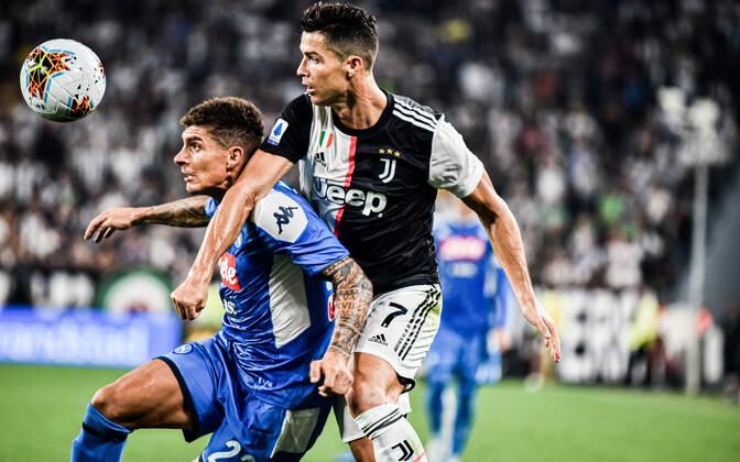 Cristiano Ronaldo lõi Napoli vastu mängides oma Itaalia kõrgliiga uue hooaja esimese värava