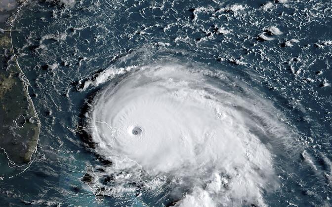 Спутниковый снимок урагана