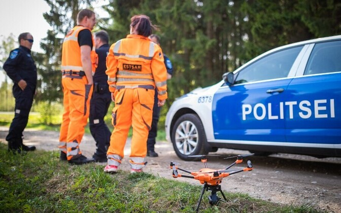 PPA personnel, vehicle and drone, engaged in missing person search in Jõgeva.