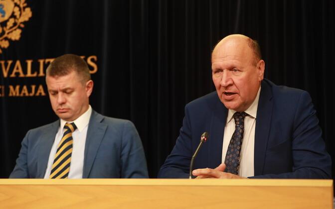 Urmas Reinsalu ja Mart Helme valitsuse pressikonverentsil