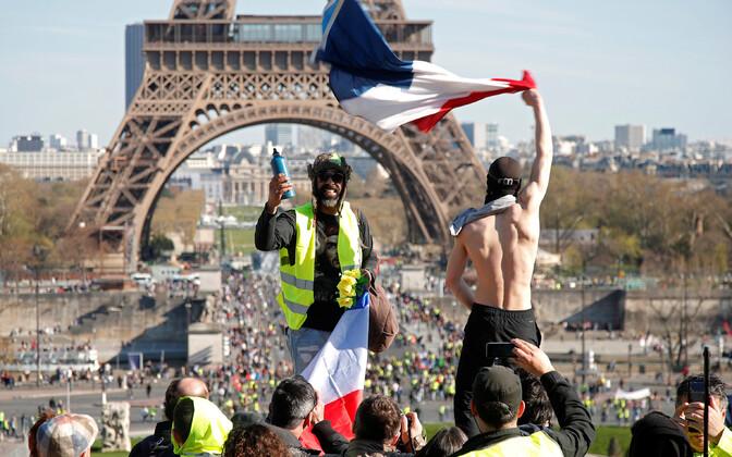 Kollavestide meeleavaldus Pariisis tänavu märtsis