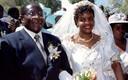 Robert Mugabe ja tema uus naine Grace abiellumas 1996.