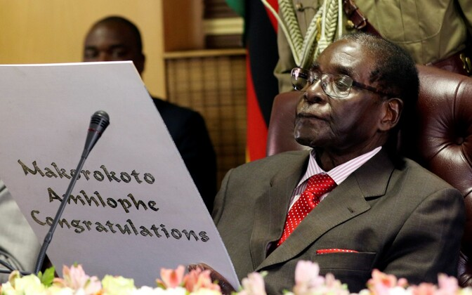 Robert Mugabe oma 93. sünnipäeval.