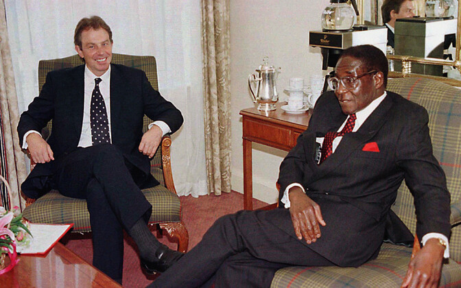 Robert Mugabe with then British Prime Minister Tony Blair in Edinburgh in 1997.