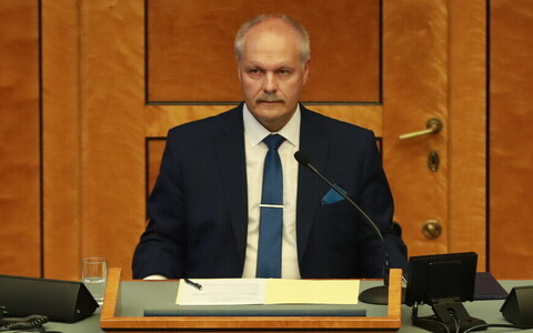 Riigikogu esimees Henn Põlluaas riigikogu sügisistungjärgu avaistungil.