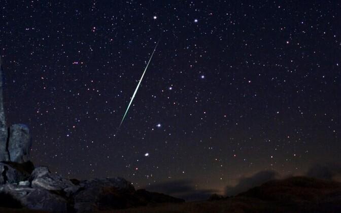 Падение метеорита. Иллюстративная фотография.