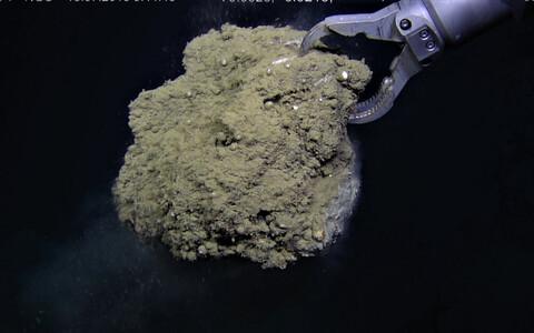 Teadlased analüüsisid karbonaatmineraalide koorikuid, mis tekivad merepõhja sügavustest pärineva mullitava metaani kokkupuutel meres leiduva sulfaadiga.
