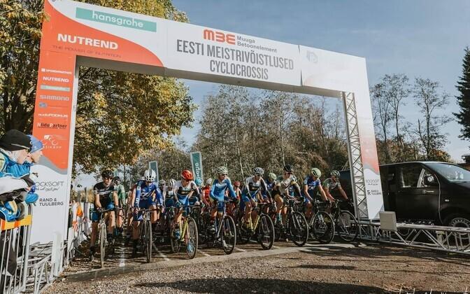 Ratturid cyclo-crossi Eesti meistrivõistluste stardis.