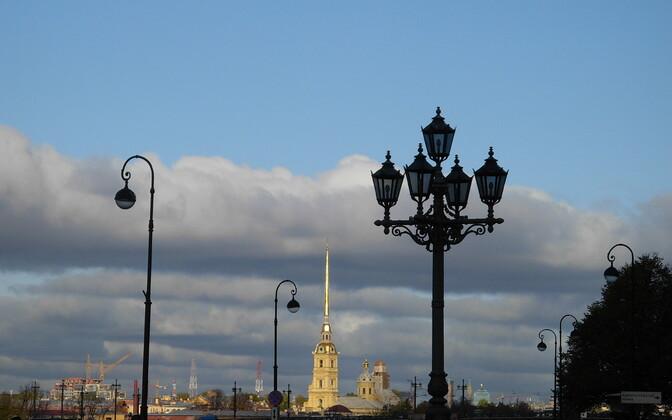 Peterburi.