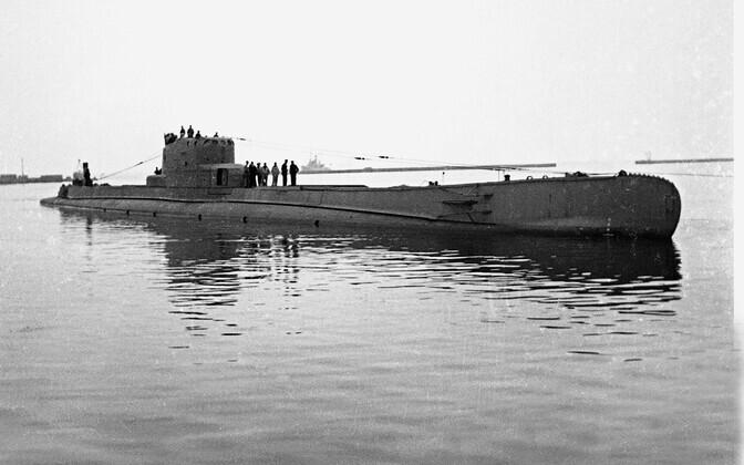 Allveelaev Orzeł Tallinna lahel enne sõjasadamasse pukseerimist. 15. september 1939.
