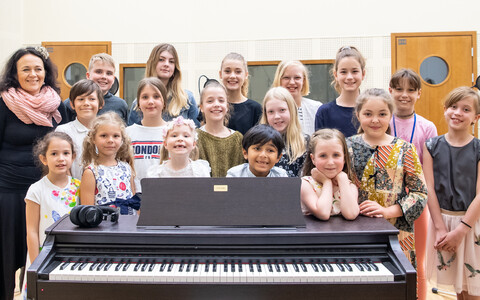 Tallinn European School children, together with music teacher Ivi Rausi, due to sing