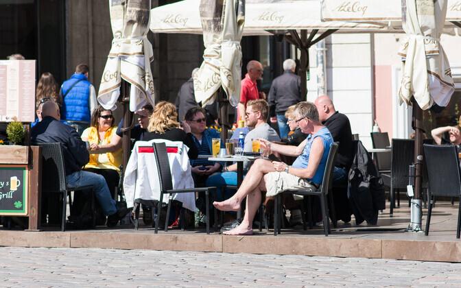 До сих пор одной из причин снижения потока финских туристов называли ужесточение акцизной политики Эстонии. Иллюстративная фотография.