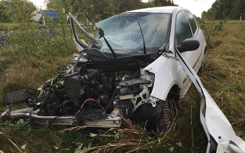 Scene of a crash between a car and a train in Türi Municipality on Monday morning. Sept. 16, 2019.