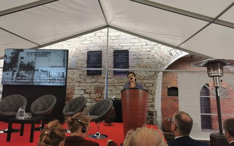 Alla Jakobson of the Jewish Community of Estonia addressing Wednesday's conference marking the 75th anniversary of the Klooga concentration camp massacre.