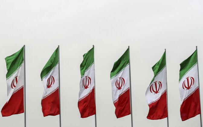 Iraani lipud.