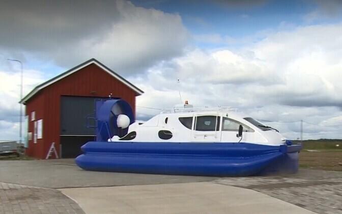 Новое судно будет перевозить пассажиров в условиях торосистого льда.