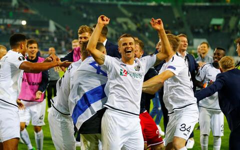 Austria klubi Wolfsbergeri mängijad rõõmustamas